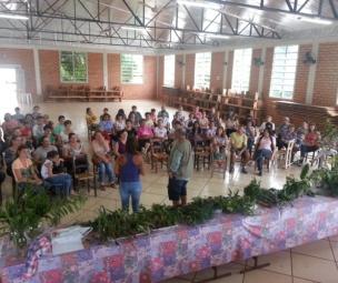 Atividade do Farmácia da Natureza em Caxambu do Sul, no dia 21 de novembro